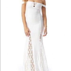 Sky matanados lace maxi dress